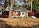 Foreclosed Home en MAPLE DR, Florissant, MO - 63031