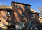 Foreclosed Home en CAMPBELL PL, Chicopee, MA - 01020
