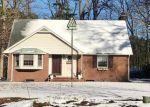 Foreclosed Home en RIVERSIDE DR, Yorktown, VA - 23692