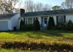 Foreclosed Home en NICHOLS LN, Westerly, RI - 02891