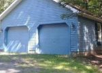 Foreclosed Home en TAN OAK DR, Milford, PA - 18337