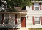 Foreclosed Home en LEES MILL DR, Newport News, VA - 23608