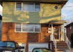 Foreclosed Home en W STIMPSON AVE, Linden, NJ - 07036