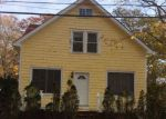 Foreclosed Home en BROADWAY, Mastic, NY - 11950