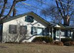 Foreclosed Home en LAKESHORE DR, Crystal Lake, IL - 60014