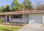 Foreclosed Home en TRAVER RD, Gansevoort, NY - 12831