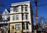 Foreclosed Home en 6TH AVE W, Newark, NJ - 07107