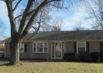 Foreclosed Home en HICKORY ST, Danbury, CT - 06810
