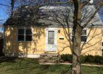 Foreclosed Home en DEWALD AVE, Somerset, NJ - 08873