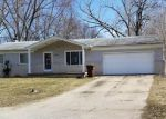 Foreclosed Home en BUSS DR, Walled Lake, MI - 48390