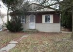Foreclosed Home en NICKE ST, Clinton Township, MI - 48035
