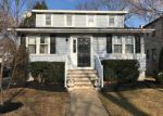 Foreclosed Home en SILVER LAKE DR, Clementon, NJ - 08021