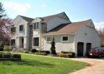 Foreclosed Home en WILSHIRE WAY, Lincroft, NJ - 07738