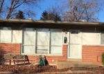 Foreclosed Home en KOSTKA LN, Florissant, MO - 63031