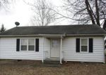 Foreclosed Home en W MILL ST, Shelbina, MO - 63468