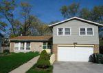 Foreclosed Home en LARKSPUR LN, Hazel Crest, IL - 60429