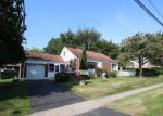 Foreclosed Home en OCEANVIEW TER, Stratford, CT - 06614