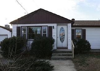 Casa en ejecución hipotecaria in Johnston, RI, 02919,  KILLINGLY ST ID: F1443879
