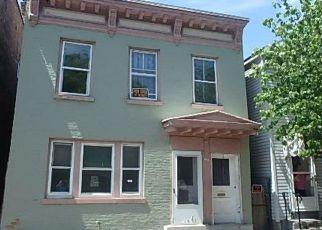Casa en ejecución hipotecaria in Troy, NY, 12180,  4TH ST ID: F3172271