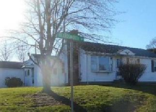 Casa en ejecución hipotecaria in Tiverton, RI, 02878,  BEARDSWORTH RD ID: F3391374