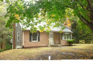 Casa en ejecución hipotecaria in Foster, RI, 02825,  CUCUMBER HILL RD ID: F3434420