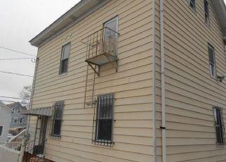 Casa en ejecución hipotecaria in Providence, RI, 02907,  BENEDICT ST ID: F3633112
