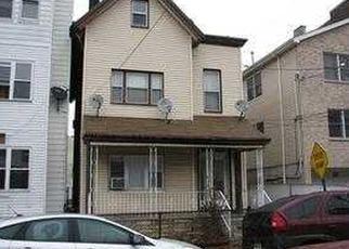 Casa en ejecución hipotecaria in Union City, NJ, 07087,  28TH ST ID: F3708375