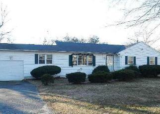 Casa en ejecución hipotecaria in Bay Shore, NY, 11706,  PENATAQUIT AVE ID: F3727794