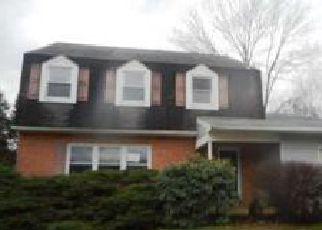 Casa en ejecución hipotecaria in Upper Chichester, PA, 19061,  W COLONIAL DR ID: F3765259