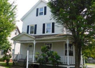 Casa en ejecución hipotecaria in New Britain, CT, 06051,  CHURCH ST ID: F3782625