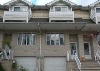 Casa en ejecución hipotecaria in Staten Island, NY, 10309,  NAVIGATOR CT ID: F3783105