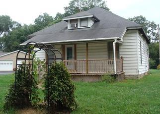 Casa en ejecución hipotecaria in Columbus, IN, 47203,  BOWERY ST ID: F3791003
