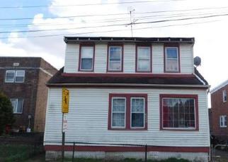 Casa en ejecución hipotecaria in Camden, NJ, 08105,  CLINTON ST ID: F3793853