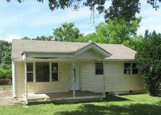 Casa en ejecución hipotecaria in Clarksville, TN, 37042,  LAURA DR ID: F3810385