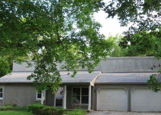 Casa en ejecución hipotecaria in Waterford, MI, 48329,  HIGHFIELD RD ID: F3837898