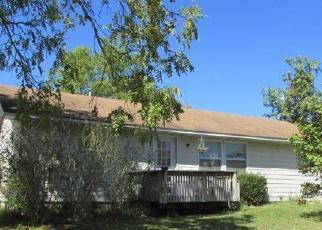 Casa en ejecución hipotecaria in Pulaski Condado, MO ID: F3857011