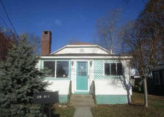 Casa en ejecución hipotecaria in Warwick, RI, 02889,  SAMUEL GORTON AVE ID: F3860213