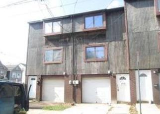 Casa en ejecución hipotecaria in New Brunswick, NJ, 08901,  SEAMAN ST ID: F3863043