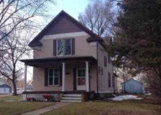 Casa en ejecución hipotecaria in Huron, SD, 57350,  BEACH AVE SE ID: F3867084
