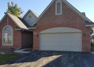 Casa en ejecución hipotecaria in Farmington Hills, MI, 48331,  SEQUOIA CIR ID: F3887706