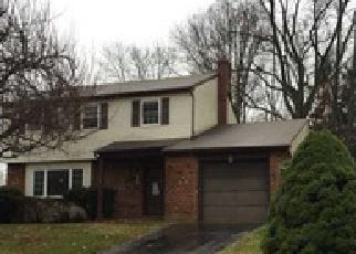 Casa en ejecución hipotecaria in Upper Chichester, PA, 19061,  KEANON DR ID: F3909240