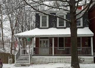 Casa en ejecución hipotecaria in Poughkeepsie, NY, 12601,  PINE ST ID: F3929813