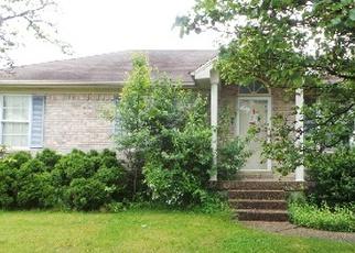 Casa en ejecución hipotecaria in Shepherdsville, KY, 40165,  RIVER TRCE ID: F3977694