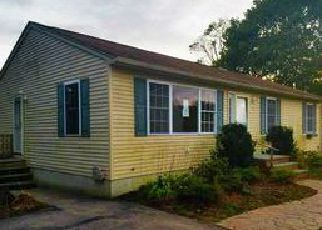 Casa en ejecución hipotecaria in Westerly, RI, 02891,  MARY LOU AVE ID: F3982411