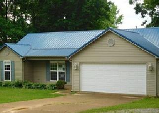 Casa en ejecución hipotecaria in Henderson Condado, TN ID: F3989050
