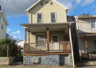 Casa en ejecución hipotecaria in Fayette Condado, PA ID: F3997648