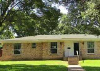 Casa en ejecución hipotecaria in Grand Prairie, TX, 75050,  HAMPSHIRE ST ID: F3998991