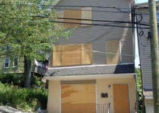 Casa en ejecución hipotecaria in Paterson, NJ, 07522,  JEFFERSON ST ID: F3999291