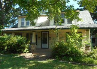 Casa en ejecución hipotecaria in Tahlequah, OK, 74464,  E NORMAL ST ID: F4008249