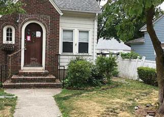 Casa en ejecución hipotecaria in Cranston, RI, 02910,  PAINE AVE ID: F4010458